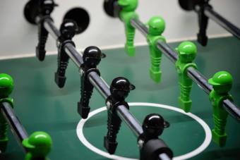 table-football-1620338_1920